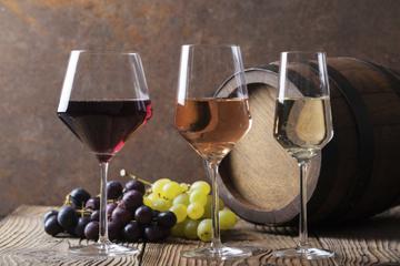 Excursão pela antiga Akrotiri e vinícolas de Santorini
