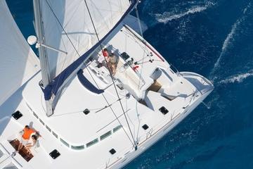Excursão privada: cruzeiro à caldeira de Santorini incluindo buffet e...