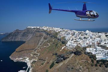 Voo de helicóptero em Santorini