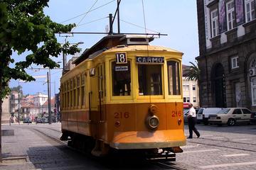 Excursão de degustação de vinho e comida em Porto, para grupos...