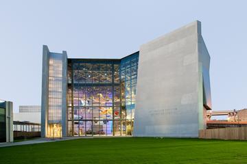 Entrada al Museo Nacional de la Segunda Guerra Mundial en Nueva...