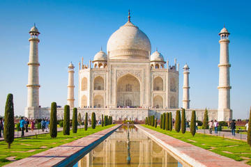 Private Tour With Taj Mahal , Agra Fort and Fatehpur Sikri in Single Day by Car