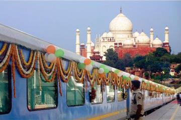 Taj Mahal Private Tour by Gatimaan Express Train