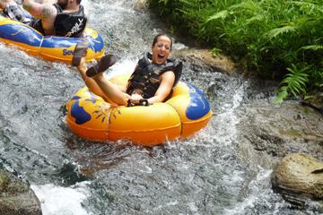 """Aventura de """"tubing"""" por el río Mopán desde San Ignacio"""