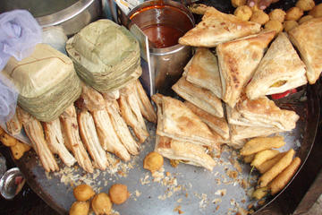 Old Delhi City Tour with Street Food Experience