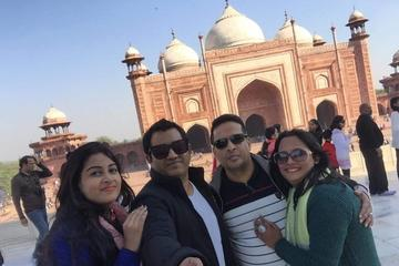 Agra Day Trip from Delhi Including Taj Mahal and Agra Fort
