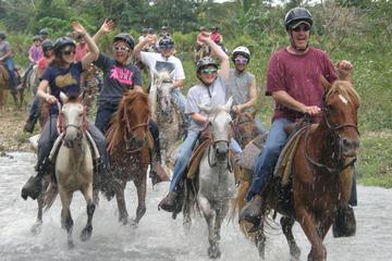 Paseo a caballo por el río y recorrido en tirolina en Punta Cana