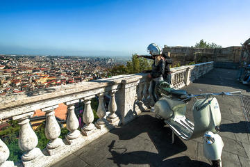 Visite privée à Naples en Vespa: expérience des traditions et du...