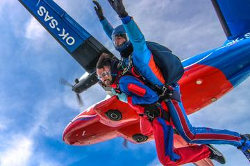 BEST TANDEM SKYDIVING IN PRAGUE