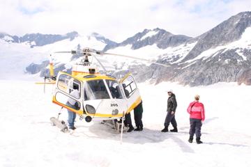 Landausflug in Juneau: Hubschrauberrundflug mit Hundeschlittenfahrt