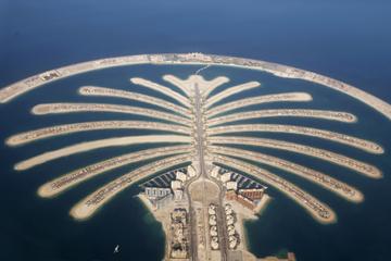 Cruzeiro por Palma Jumeirah em uma lancha em Dubai