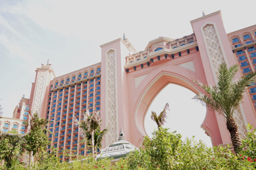 Excursão turística por Dubai incluindo entrada no Burj Khalifa e chá...