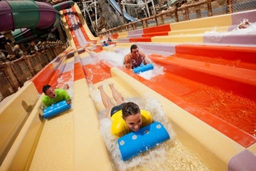 Ingresso de entrada para o Yas Waterworld, incluindo transporte...