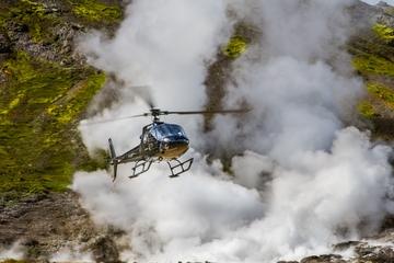 Vol en hélicoptère au dessus de Reykjavik : paysages géothermiques