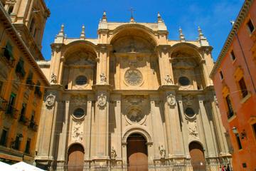 Visita a la Catedral de Granada y la Capilla Real con guía que habla...