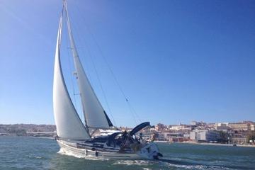 Privétour: boottocht langs de kust van Lissabon
