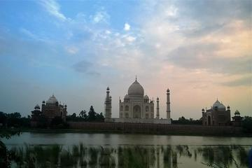 Taj Mahal day Tour by Train With (Executive class train ticket) from Delhi