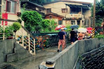 台北での宝蔵巌国際芸術祭村ウォーキング ツアー
