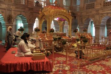 Visite du Vieux Delhi: temple Sikh, marché aux épices et virée en...