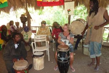 Visite du village indigène rastafari au départ de Montego Bay
