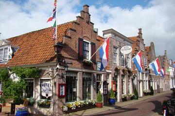 Privétour van een hele dag door Noord-Holland per openbaar vervoer ...