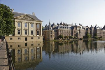 Privétour: wandeling door Den Haag, inclusief een bezoek aan de ...
