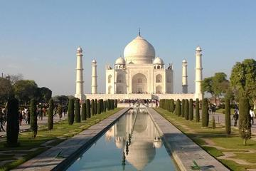 Private Taj Mahal Day Tour by Train from Delhi