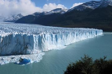Crucero turístico por los glaciares Balmaceda y Serrano desde Puerto...