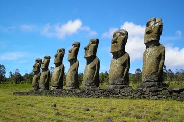 Excursão sobre Arqueologia Moai da Ilha de Páscoa: Ahu Akivi, Ahu...