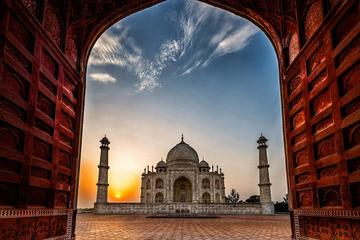 Same Day Agra Tour by Train with all Inclusive