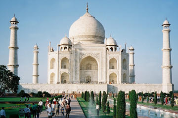 Taj Mahal Tour by Train - Gatimaan Express