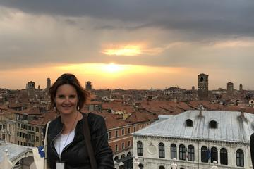 PROSECCO WINE EXPERIENCE IN THE HIDDEN VENICE WITH SOMMELIER CHIARA