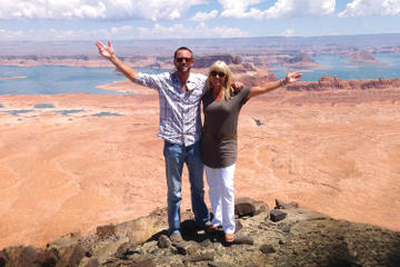 Hubschrauberrundflug durch die Wüste Arizonas mit Landung auf Tower...