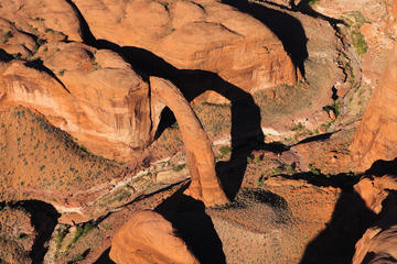 Book Airplane Tour of Rainbow Bridge, Lake Powell and Glen Canyon Dam on Viator