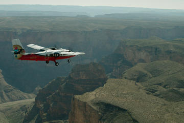 Excursão aérea e terrestre à margem sul do Grand Canyon saindo de Las...