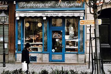 The Marais District Paris: Guided Small Group Walking Tour