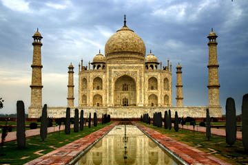 Private day trip to Taj Mahal from Delhi
