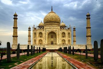 Taj Mahal tour by Gatimaan Express from Delhi