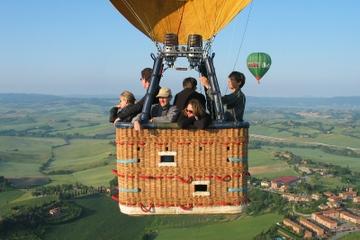 Giro panoramico in mongolfiera da Roma attraverso il Lazio