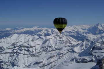 Volo di un'ora in mongolfiera sul Piemonte da Torino