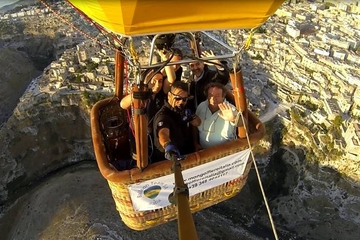 Voo de balão de ar quente de Piedmont e Lombardia com transporte...