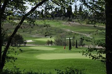Private Tour: Golf Experience in the Tuscan Countryside
