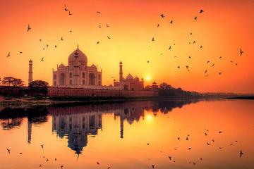 From Delhi: Taj Mahal Sunrise & Sunset 2-Day Tour by Car