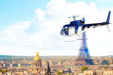 Survol de Versailles en hélicoptère au départ de Paris, incluant vol...