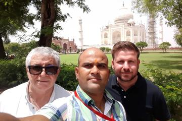 Taj Mahal Tour by Gatimaan Express Train
