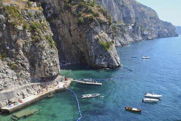 Crucero de un día para grupos pequeños por la costa de Amalfi desde...