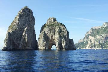 Excursão privada de barco por Capri...