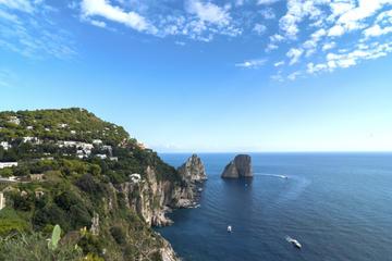 In einer kleinen Gruppe Capri...