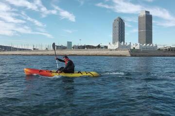 Experiencia de kayak y surf de remo en Barcelona