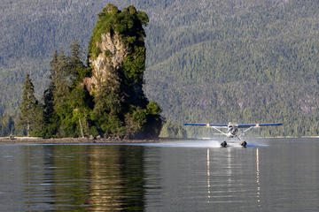 Neblige Fjorde mit dem Wasserflugzeug...